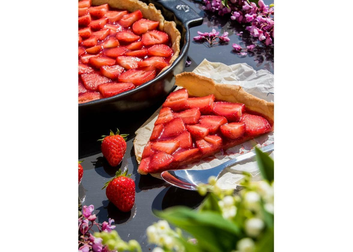 Easy Healthy Strawberry Tart, Vegan, without refined sugar or butter - Peugeot Saveurs